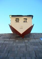 Upsidedown House attrb Stopmangohome